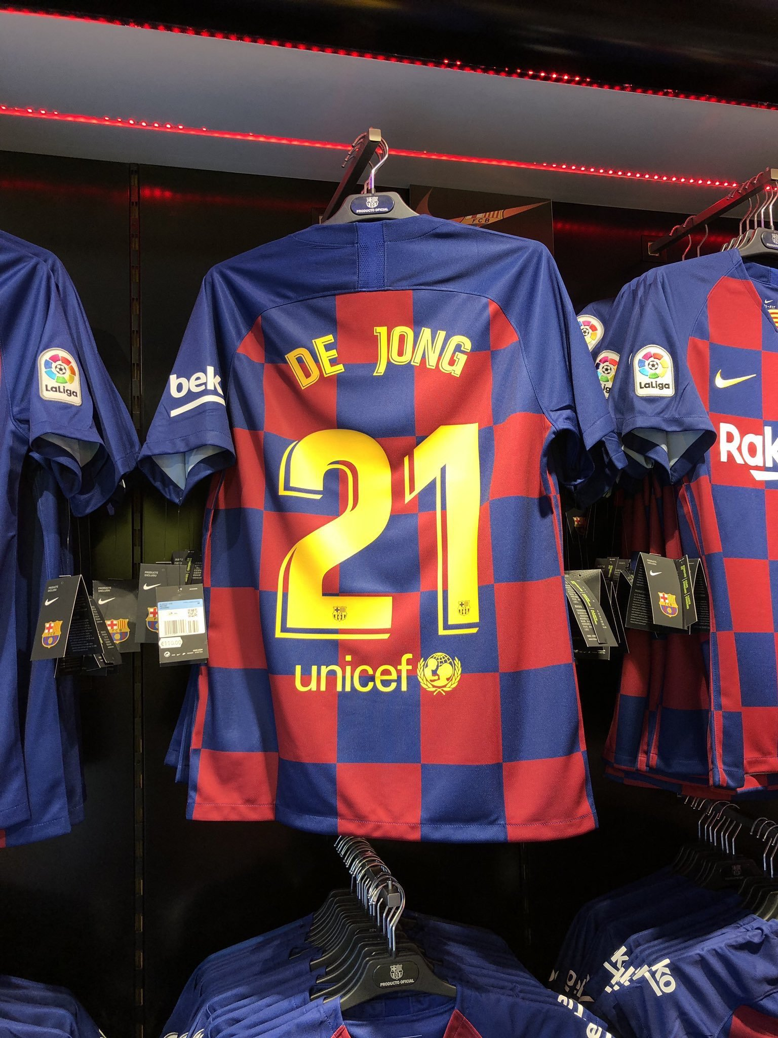 separation shoes 08862 47949 Revealed: De Jong is set to wear Carles Alena's number on ...